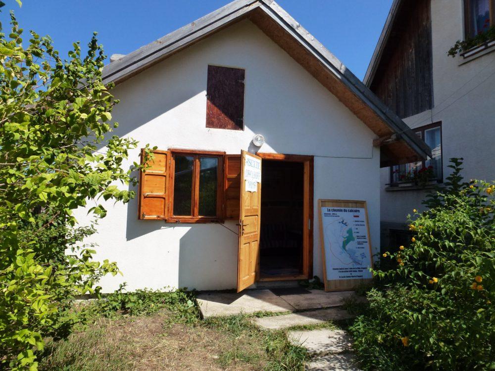 Bureau de l'association Arbre de Joie, Purcareni, Carpates, Transylvanie