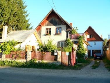 tourisme_roumanie_transylvanie_carpates_brasov_purcareni_arbre_de_joie_séjour_accueil_logement_hôte_chambre_47