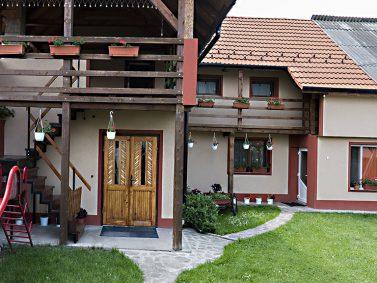 tourisme_roumanie_transylvanie_carpates_brasov_purcareni_arbre_de_joie_séjour_accueil_logement_hôte_chambre_13