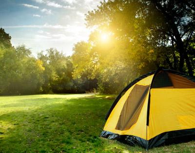 tourisme_roumanie_transylvanie_carpates_brasov_purcareni_accueil_hôte_séjour_camping_tente_camping_car